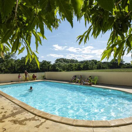 Schwimmbad und Planschbecken