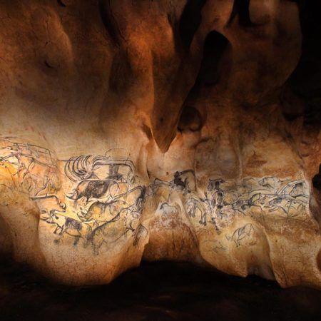 Grotte Chauvet 2 - Le panneau des lions ®Patrick-Aventurier