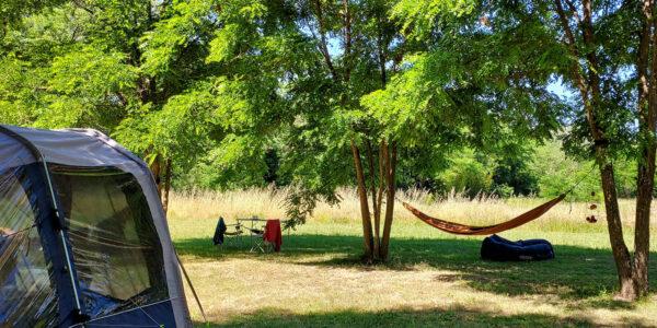 Emplacements Côté Rivière |Camping La Turelure | 3 etoiles en Ardeche