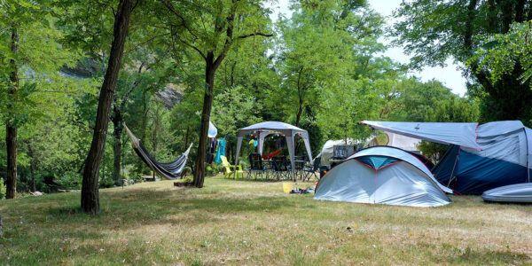 Emplacements Côté Rivière | Camping 3 etoiles en Ardèche
