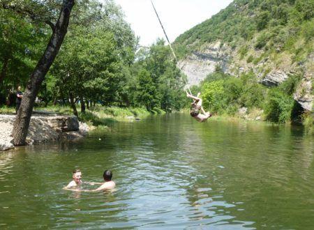 Touw in het water te springen